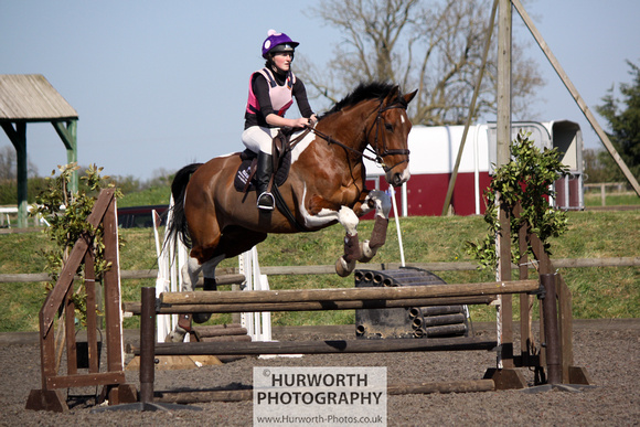 Hurworth Good Friday Show Cross 005